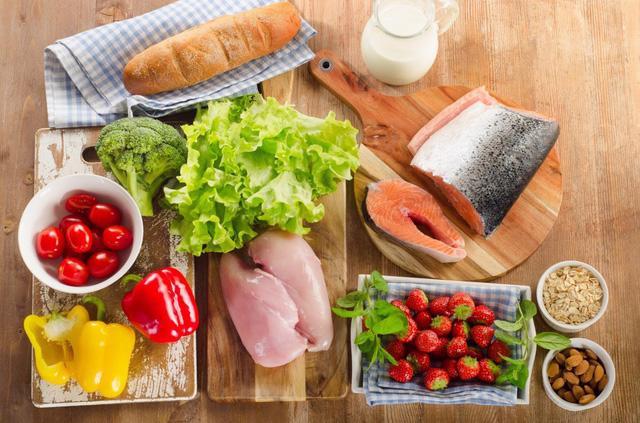 Thực đơn ăn uống tốt nhất cho con vào mùa thi - Ảnh 1.