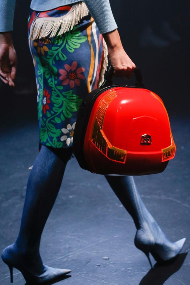 5 kiểu túi không thể thiếu trong tủ đồ mùa hè - Ảnh 6.
