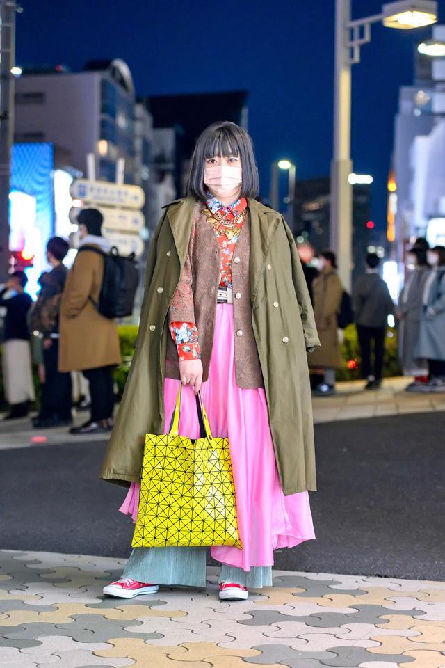 Thời trang đường phố của Tokyo Fashion Week 2021: tinh thần unisex đương đại - Ảnh 4.