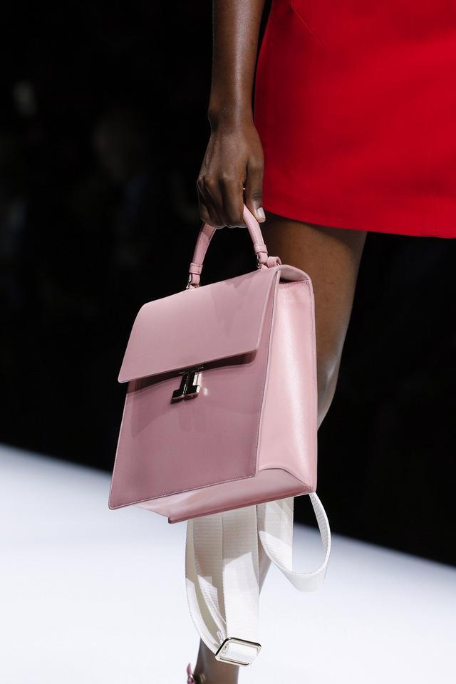 5 kiểu túi không thể thiếu trong tủ đồ mùa hè - Ảnh 5.