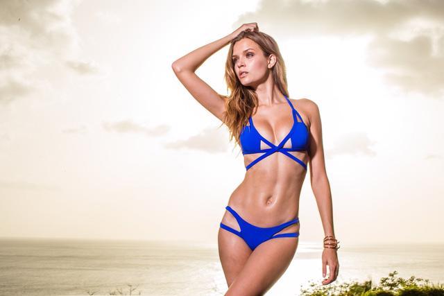 Bikini hot cho tháng 6 thêm nóng bỏng - Ảnh 9.