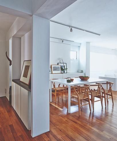 Sự kết hợp ăn ý giữa sàn gỗ và đồ nội thất - Ảnh 1.