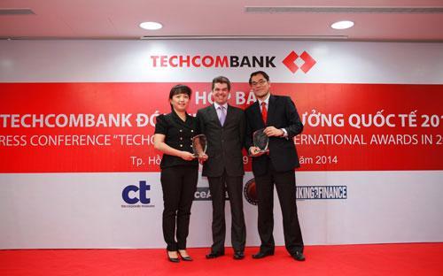 Techcombank nhận 10 giải thưởng quốc tế 1