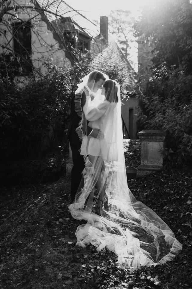 Hành trình chọn váy cưới của một cô dâu người Úc - Ảnh 9.
