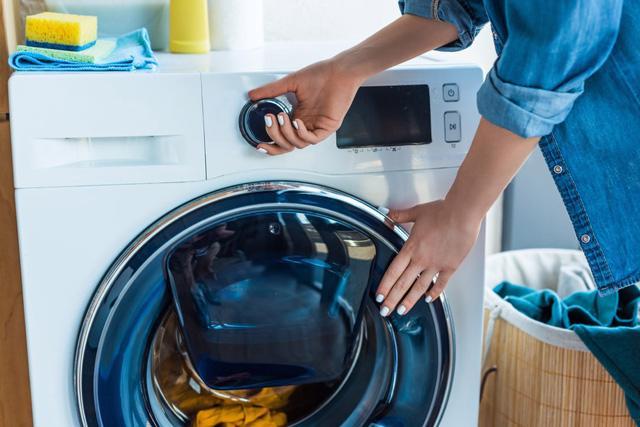 Tự khắc phục một số lỗi hoạt động của máy giặt - Ảnh 2.