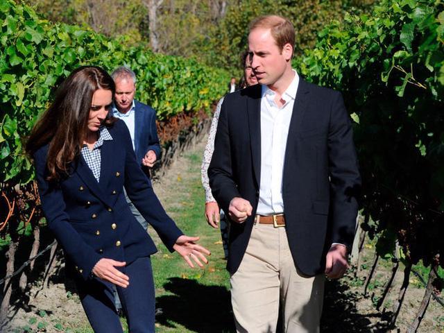 Những trang phục có giá dưới 100 đô la của công nương Kate Middleton - Ảnh 11.