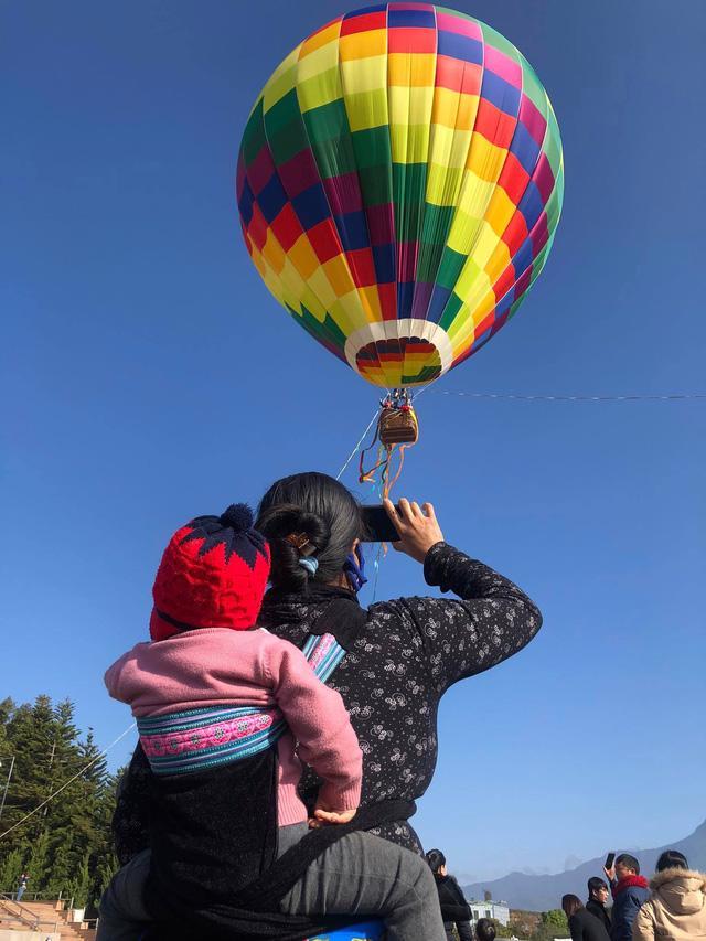 Đến Lai Châu khai mạc giải dù lượn và ngắm khinh khí cầu - Ảnh 8.