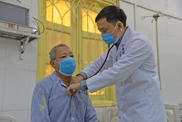 Dùng thuốc chữa đái tháo đường không nguồn gốc, nhiều người nhập viện cấp cứu - Ảnh 1.