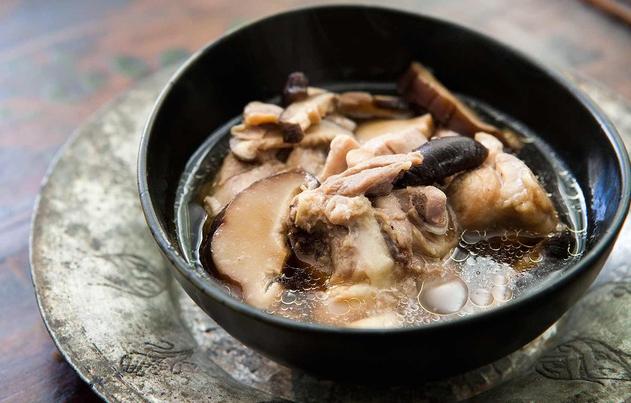3 món canh gà nóng hổi và bổ dưỡng cho ngày lạnh - Ảnh 2.