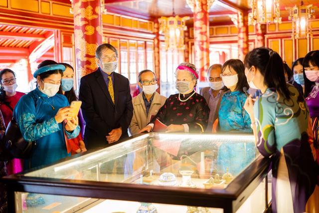 Tới lầu Ngũ Phụng ngắm cổ vật thời hoàng đế Minh Mạng - Ảnh 5.