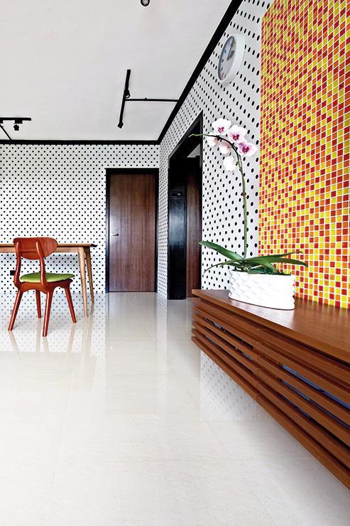 Căn hộ sắc màu với gạch mosaic trong nội thất - Ảnh 2.
