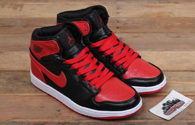 Nike Jordan 1: đôi giày cũ nhưng chưa bao giờ lỗi mốt - Ảnh 1.