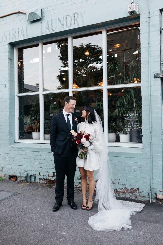 Hành trình chọn váy cưới của một cô dâu người Úc - Ảnh 16.