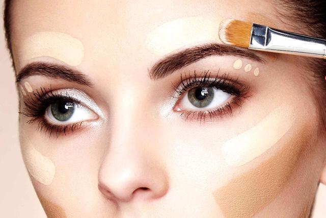 4 bí quyết giúp bạn trở thành chuyên gia trang điểm - Ảnh 1.