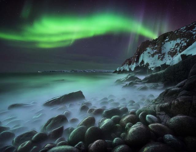 10 bức ảnh tuyệt đẹp về Bắc cực quang sẽ khiến bạn cảm thấy như đang cắm trại dưới các vì sao - Ảnh 1.