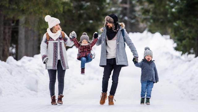 Đi bộ trong mùa đông sẽ làm dịu những lo lắng của bạn ngay lập tức - Ảnh 1.