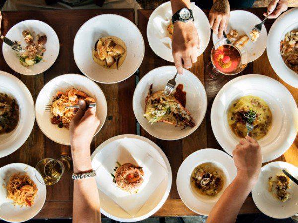 Lợi ích của việc ăn uống chánh niệm và cách để làm cho bữa ăn của bạn trở thành một trải nghiệm bổ ích - Ảnh 1.
