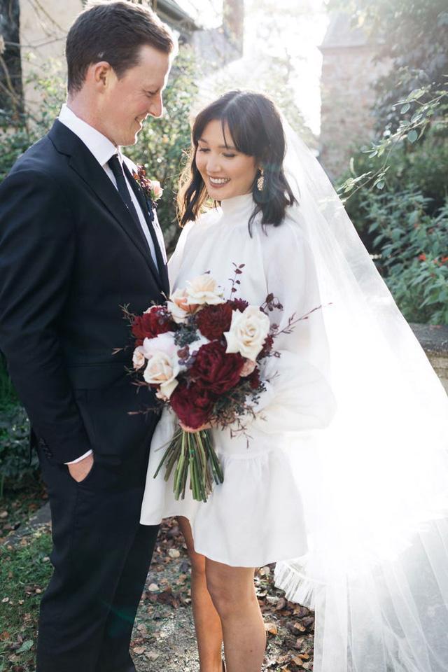 Hành trình chọn váy cưới của một cô dâu người Úc - Ảnh 19.