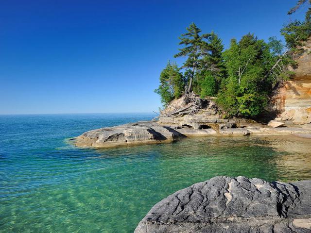 Những hồ nước đẹp mê hồn tại mỗi tiểu bang Hoa Kỳ - Ảnh 22.