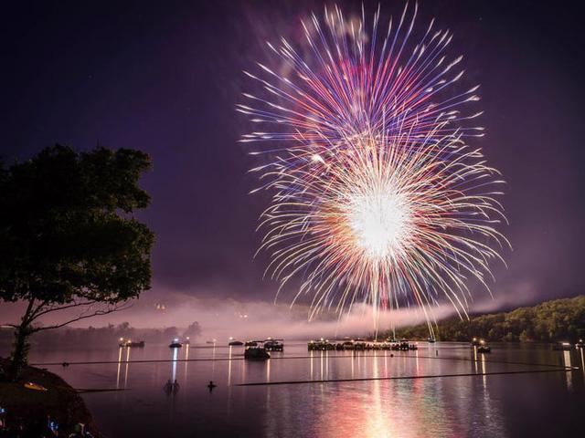 Những hồ nước đẹp mê hồn tại mỗi tiểu bang Hoa Kỳ - Ảnh 25.