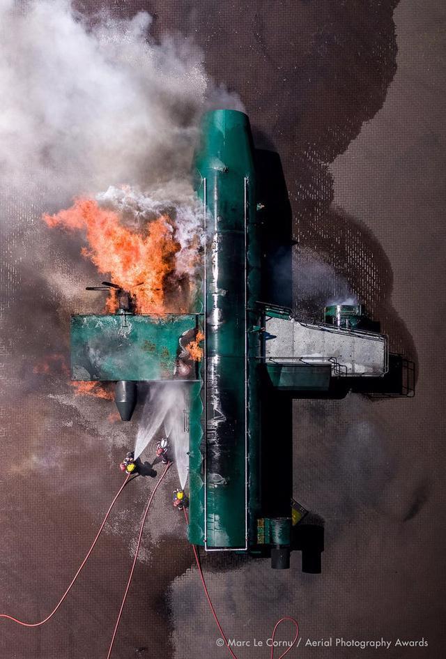 23 bức ảnh chụp từ trên không sẽ đưa bạn đến nhiều nơi trên thế giới - Ảnh 2.