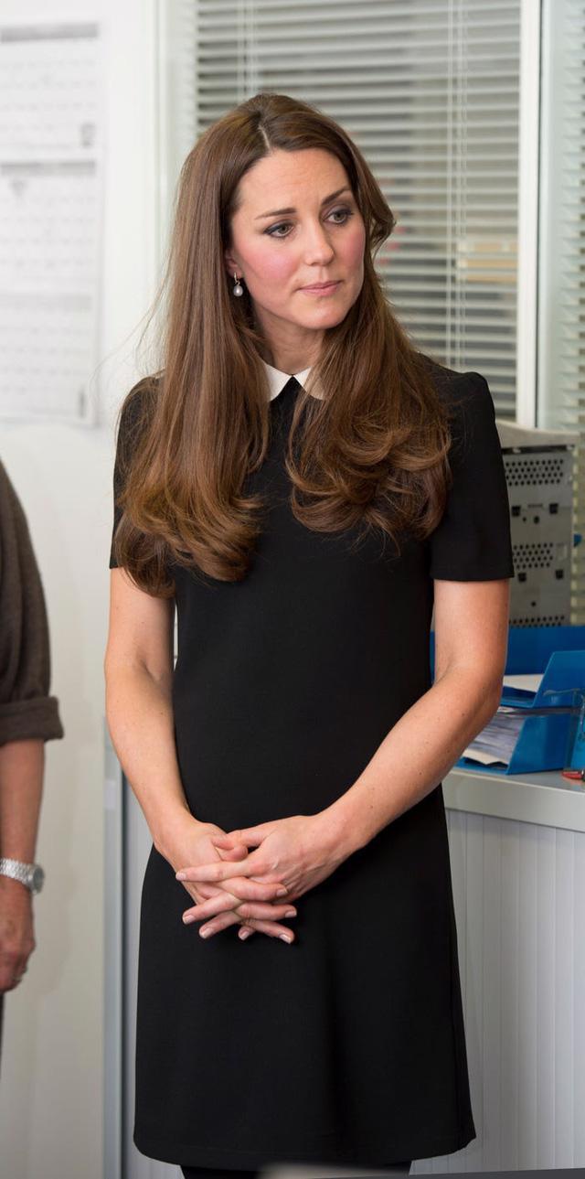 Những trang phục có giá dưới 100 đô la của công nương Kate Middleton - Ảnh 2.