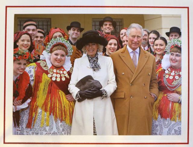 Những tấm thiệp Giáng sinh đẹp nhất qua các năm của hoàng gia Anh - Ảnh 29.