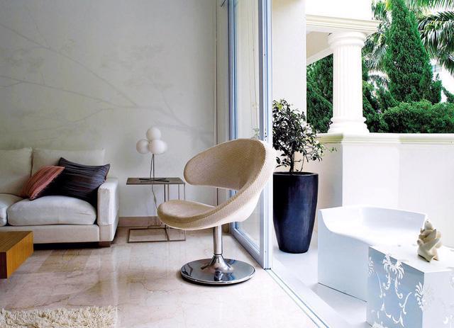 Căn hộ màu trắng phong cách Zen hiện đại - Ảnh 1.