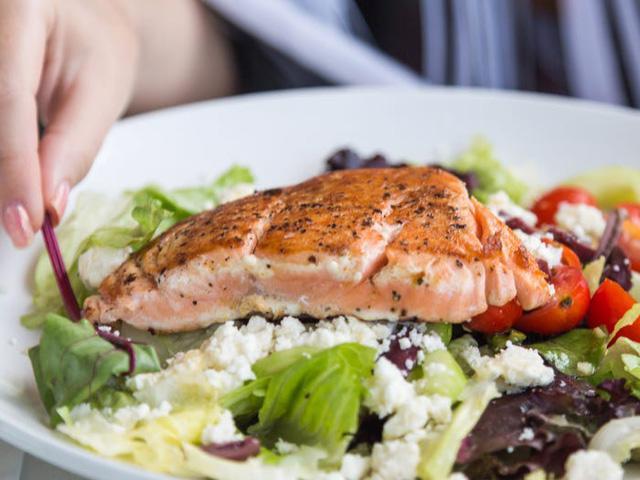 11 loại thực phẩm giàu protein tốt nhất để giảm cân - Ảnh 3.