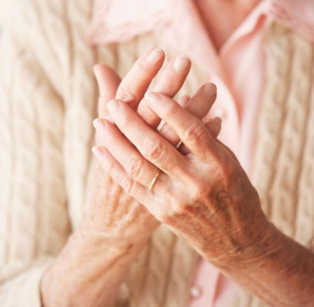 Một vài phương pháp giảm đau nhức xương khớp mùa lạnh - Ảnh 1.