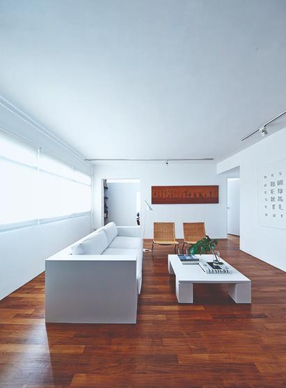 Sự kết hợp ăn ý giữa sàn gỗ và đồ nội thất - Ảnh 2.