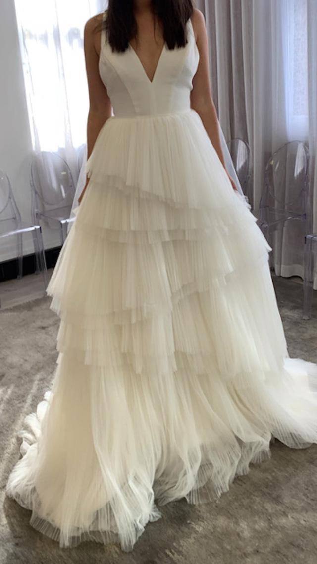 Hành trình chọn váy cưới của một cô dâu người Úc - Ảnh 5.