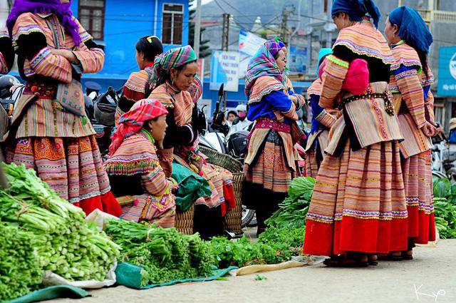 Mường Khương, chợ họp trong sương - Ảnh 6.
