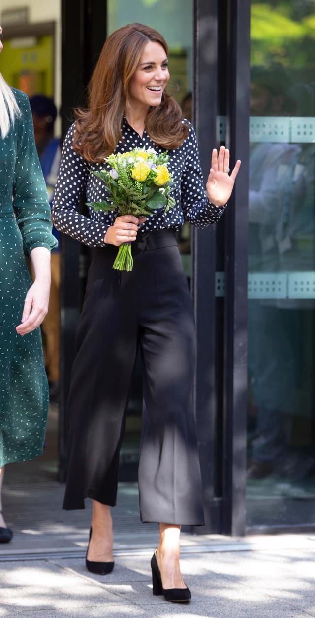 Những trang phục có giá dưới 100 đô la của công nương Kate Middleton - Ảnh 6.