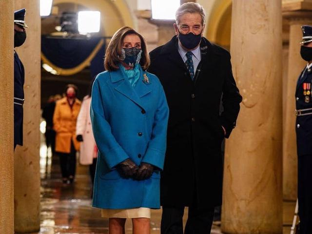 7 chiếc áo khoác đẹp nhất trong ngày nhậm chức của ông Biden - Ảnh 6.