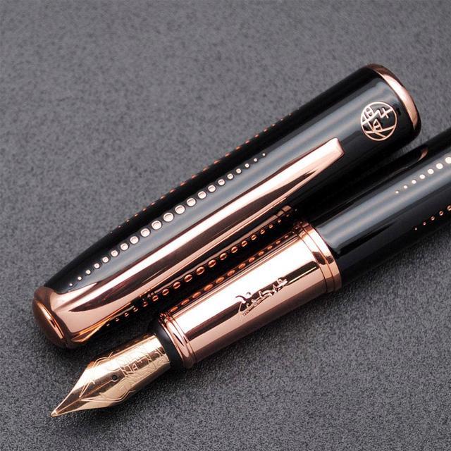 Một cây bút tạo nên những chữ ký xa xỉ - Ảnh 3.
