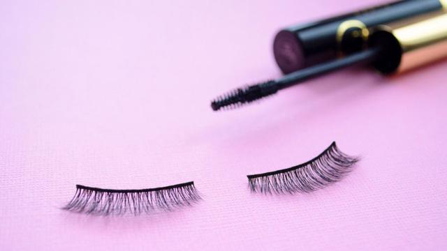 Những điều bạn nên biết trước khi mua mascara drugstore - Ảnh 1.