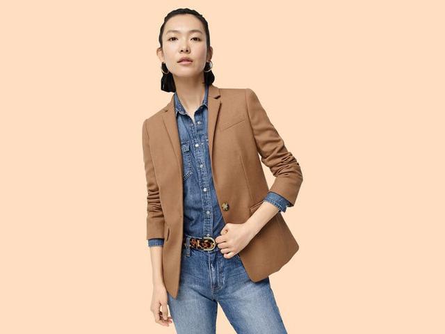 17 mẫu áo blazer được yêu thích trong năm nay - Ảnh 7.