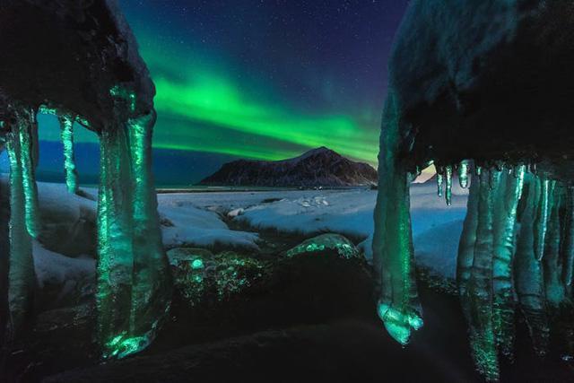 10 bức ảnh tuyệt đẹp về Bắc cực quang sẽ khiến bạn cảm thấy như đang cắm trại dưới các vì sao - Ảnh 7.