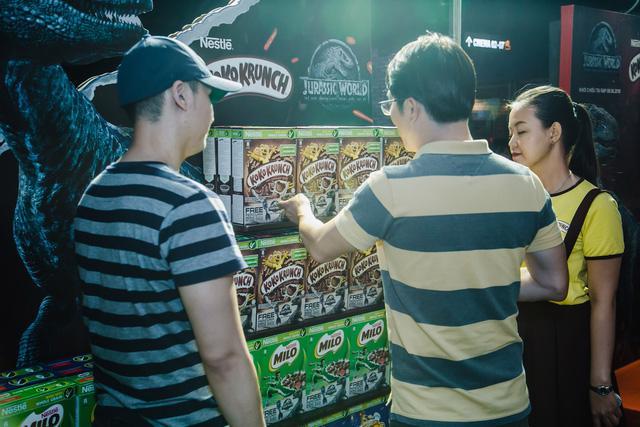 Bánh ngũ cốc ăn sáng Nestlé ra mắt phiên bản đặc biệt Thế giới Khủng long 2 - Ảnh 1.