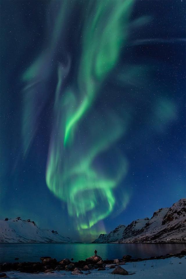 10 bức ảnh tuyệt đẹp về Bắc cực quang sẽ khiến bạn cảm thấy như đang cắm trại dưới các vì sao - Ảnh 8.