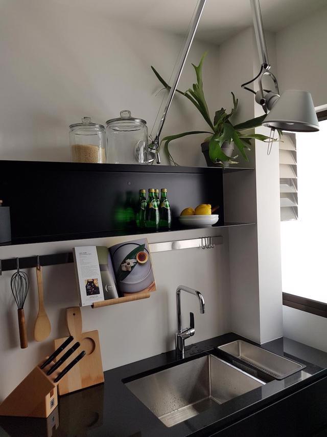 Căn hộ chung cư đơn giản mà thanh lịch - Ảnh 5.