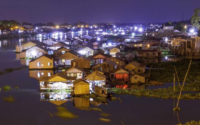 Thăm làng bè Châu Đốc mùa nước nổi - Ảnh 9.