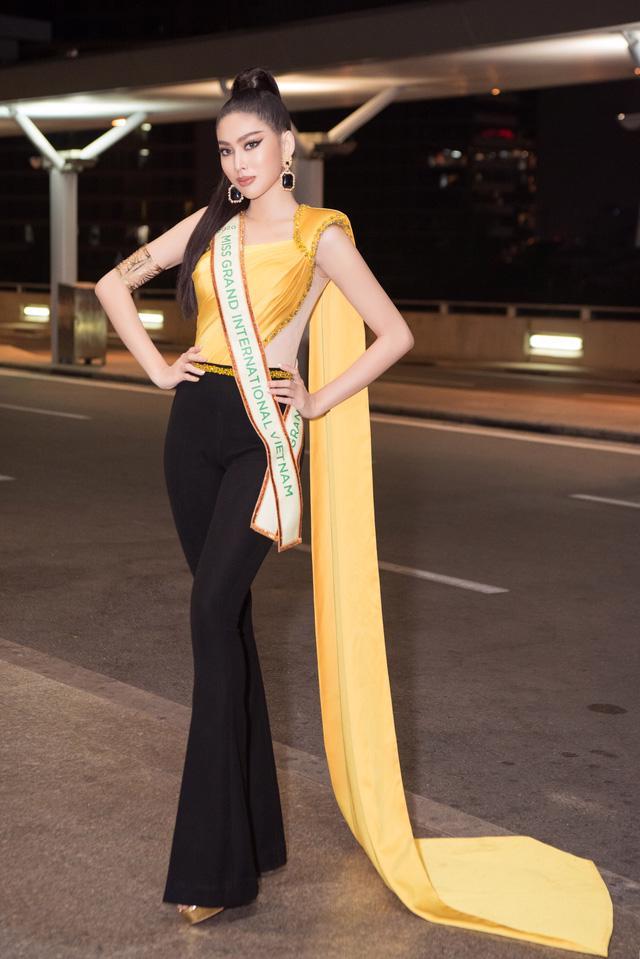 Á hậu Ngọc Thảo mặc đồ bảo hộ, lên đường dự thi quốc tế - Ảnh 4.