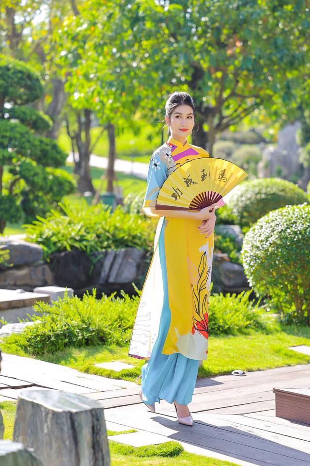 Chọn áo dài Tết cùng hai nàng Á hậu Phương Anh, Ngọc Thảo - Ảnh 2.
