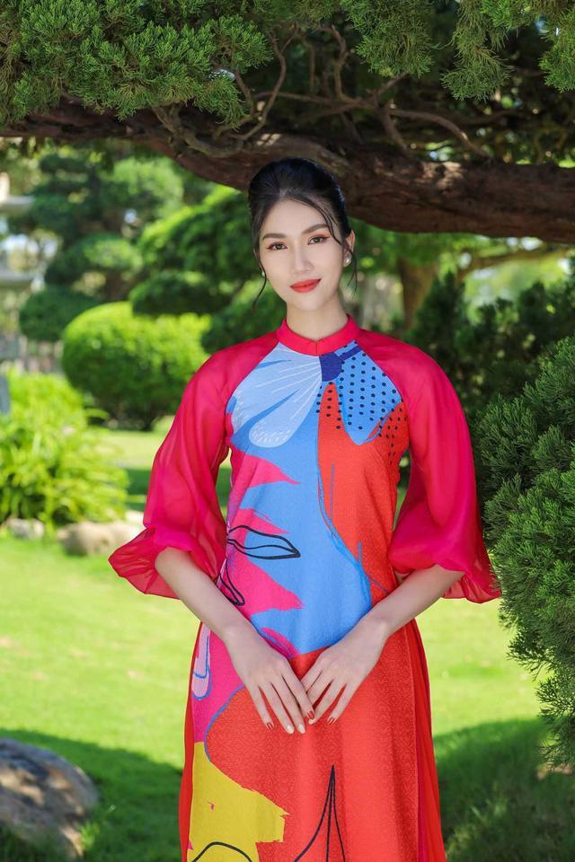 Chọn áo dài Tết cùng hai nàng Á hậu Phương Anh, Ngọc Thảo - Ảnh 3.