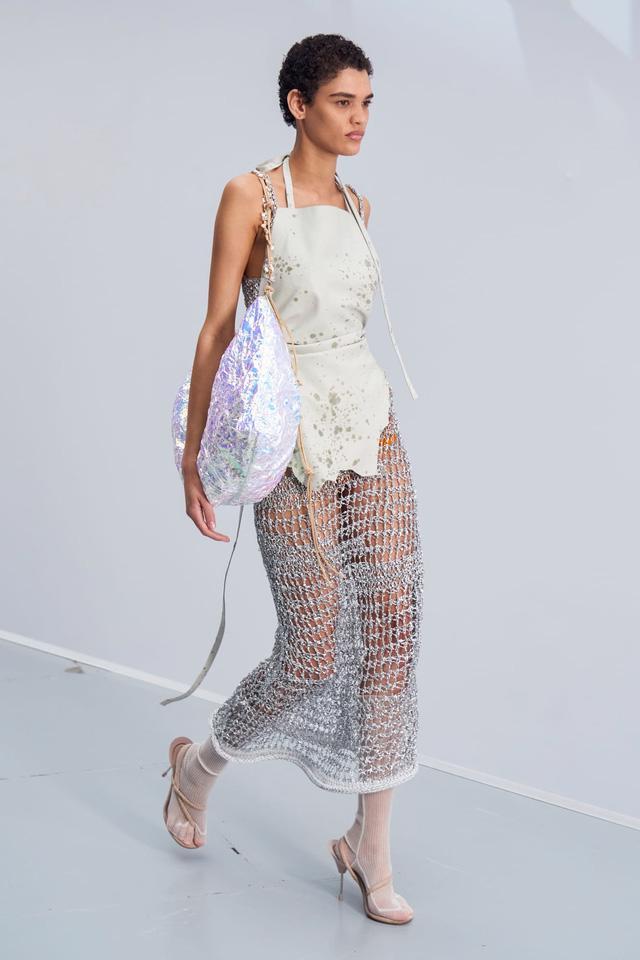7 xu hướng thời trang từ sàn diễn Paris Xuân Hè 2021 - Ảnh 14.