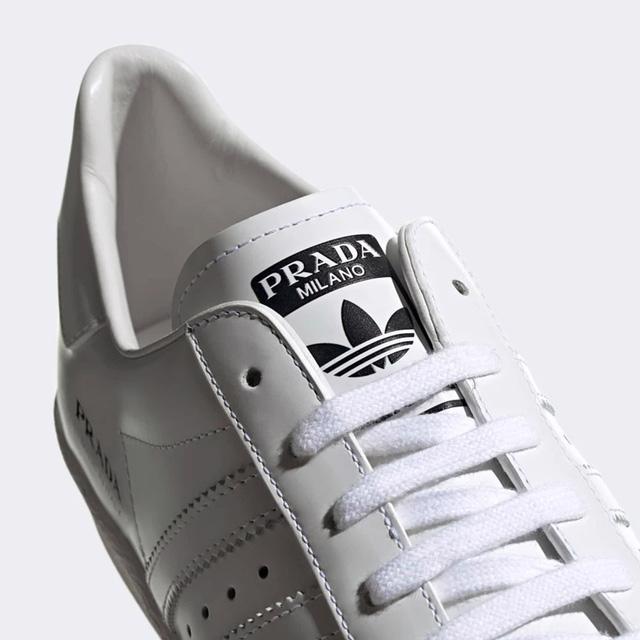 Sản phẩm hợp tác giữa Adidas và Prada: đơn giản đến khó tin - Ảnh 3.