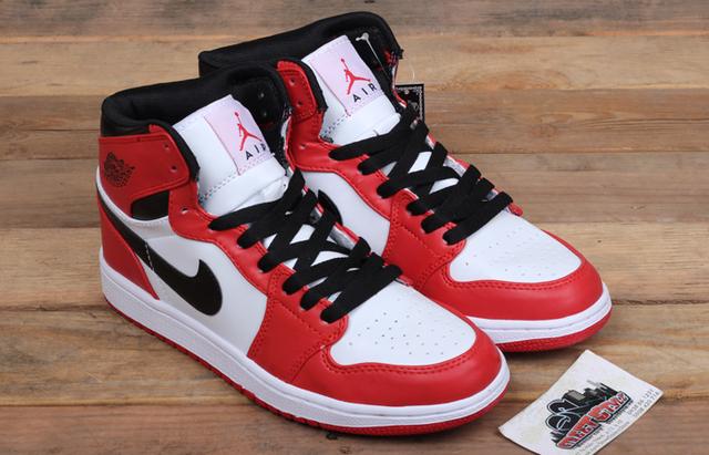 Nike Jordan 1: đôi giày cũ nhưng chưa bao giờ lỗi mốt - Ảnh 4.