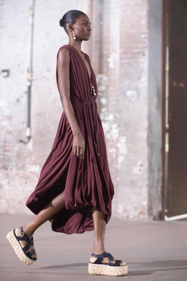 7 xu hướng thời trang từ sàn diễn Paris Xuân Hè 2021 - Ảnh 3.